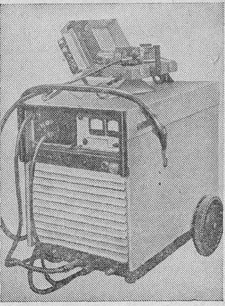 Этот аппарат предназначен для осуществления сваривания...  Сварочный полуавтомат ПДГ - 502 состоит из следующих...